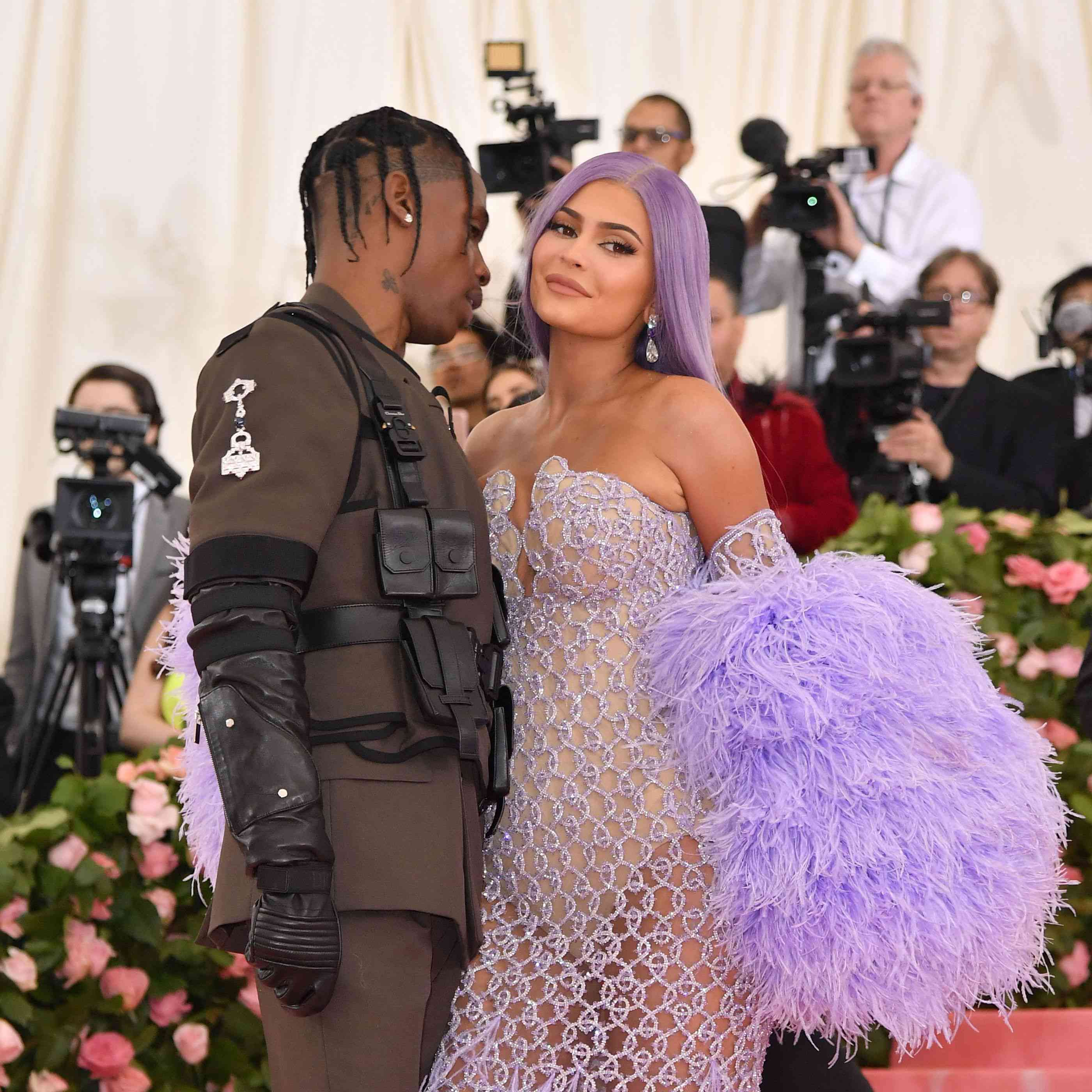 46f1c4c259 Kylie Jenner Sparks Engagement Rumors After Boarding a Plane With a ...