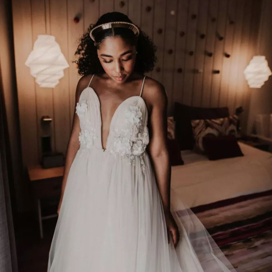 Gold crown in bride's hair