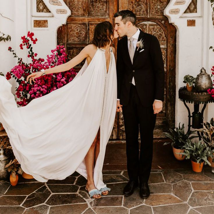 9 Best Backyard Wedding Dresses of 9