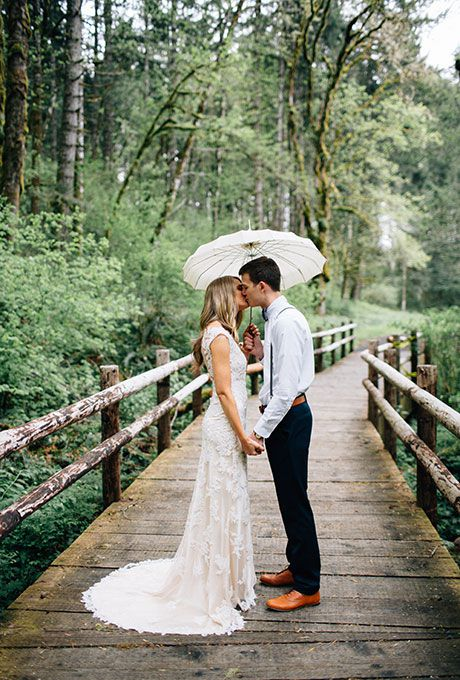 25 Wedding Photos That Prove Rain On Your Big Day Isn T A