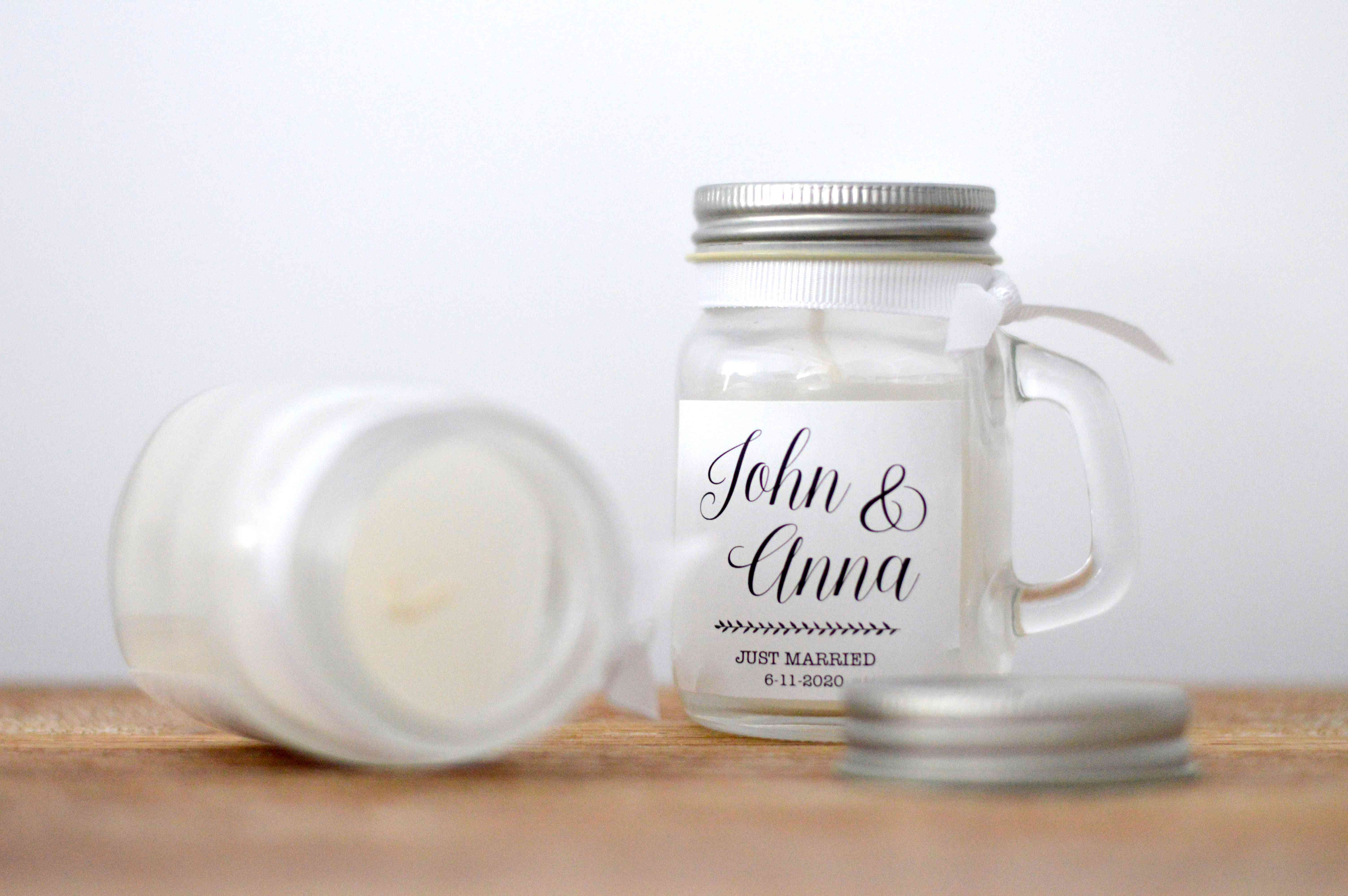 7 Pretty Candle Wedding Favors That Look as Enticing as They