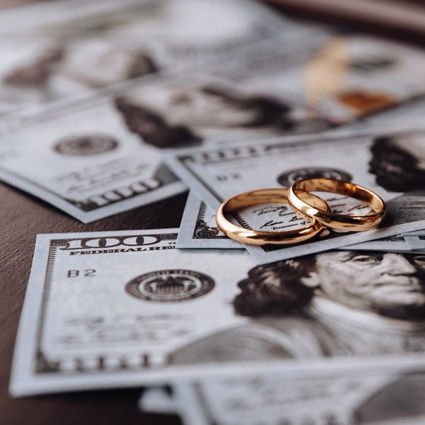 How to Pay for a Wedding