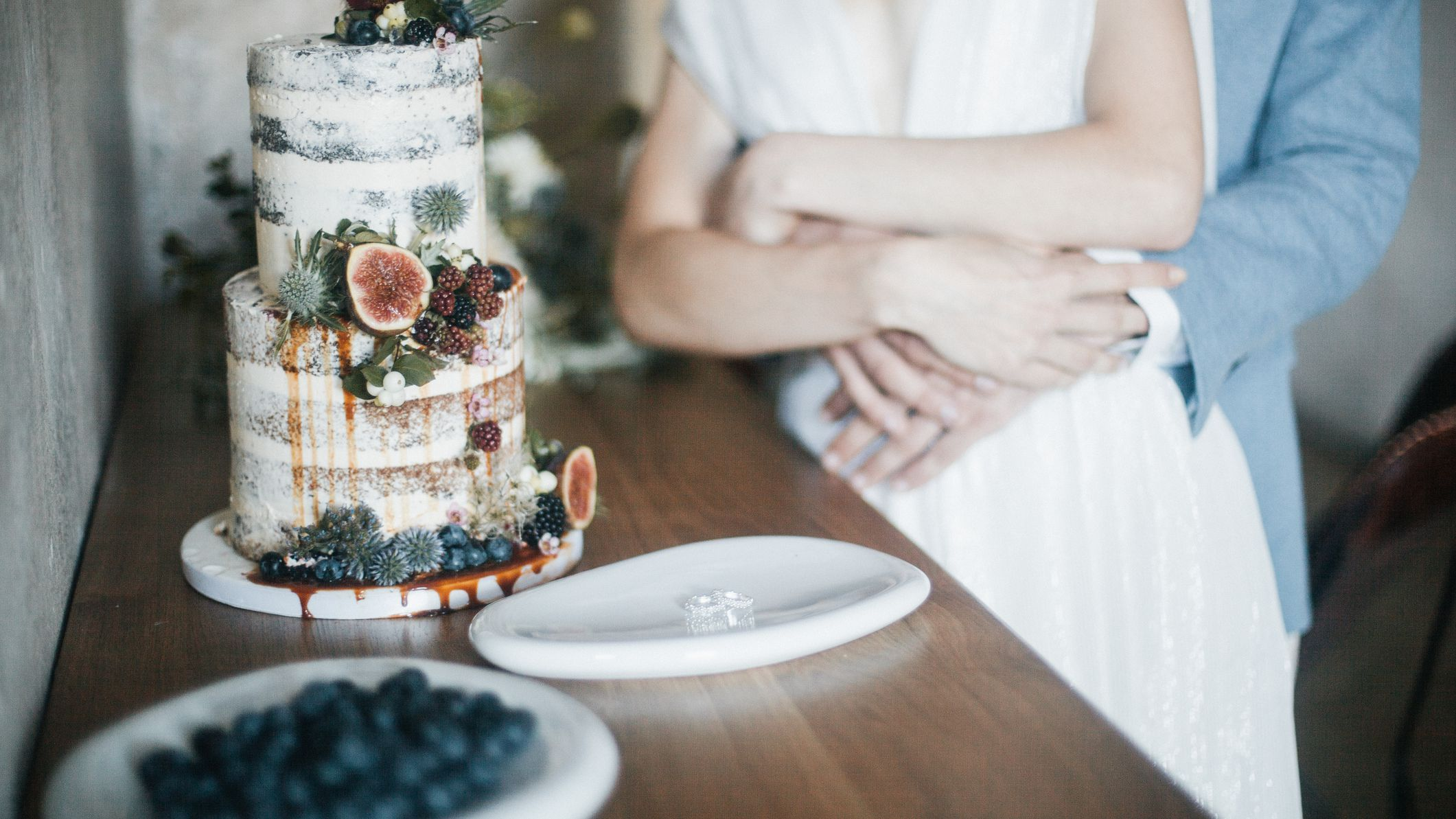 Everything You Need To Know About Preserving The Top Of Your Wedding Cake