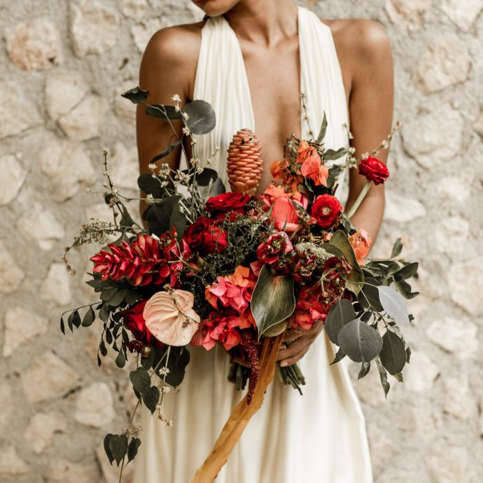 22 Romantic Red Wedding Bouquets