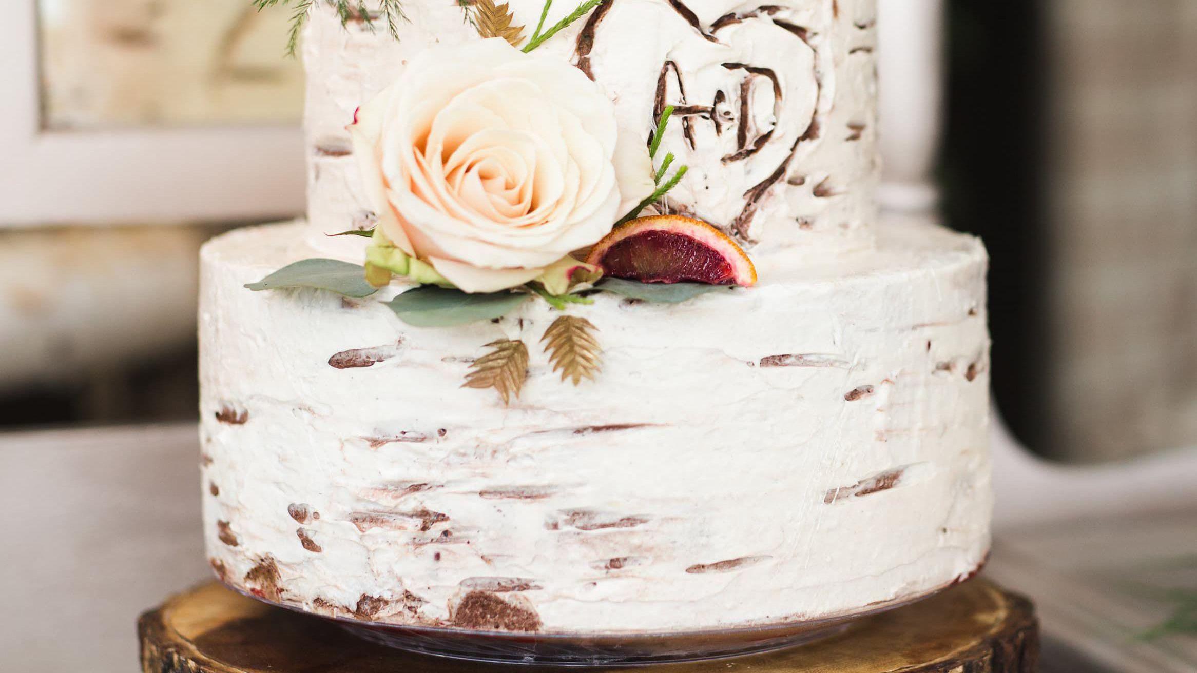 35 Rustic Wedding Cakes We Love
