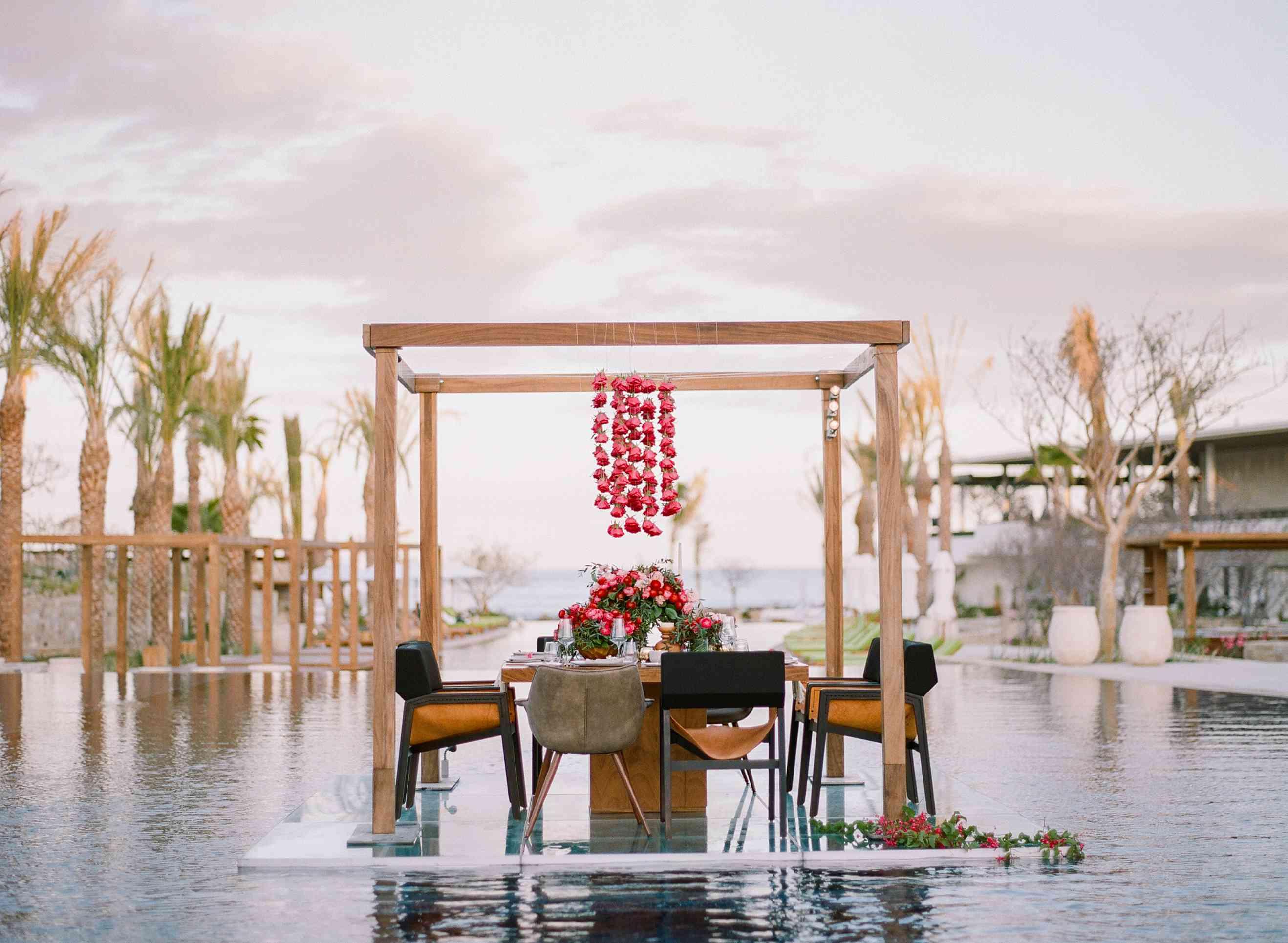 Floating dining at Chileno Bay Resort & Residences