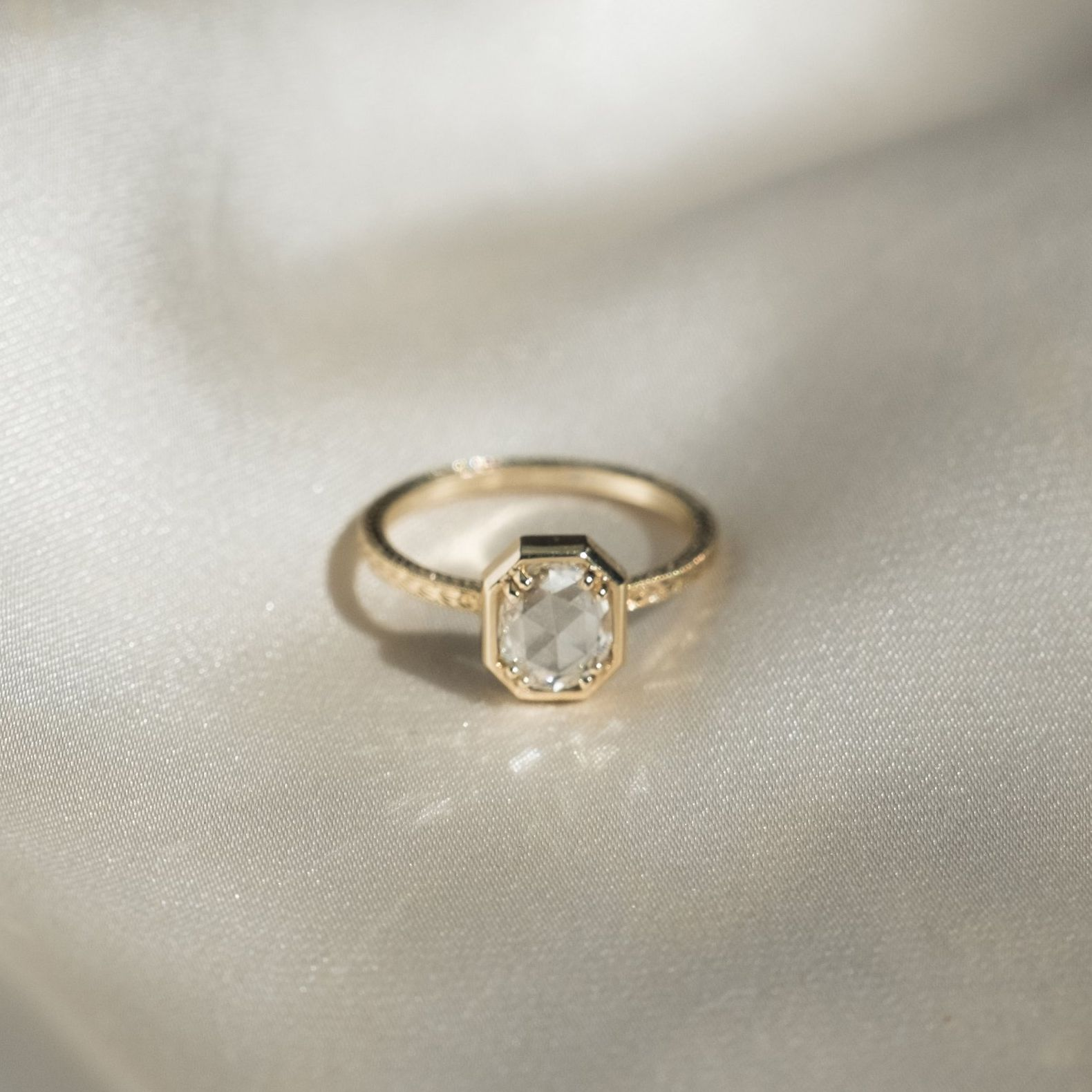 Bezel Engagement Ring Setting The Complete Guide
