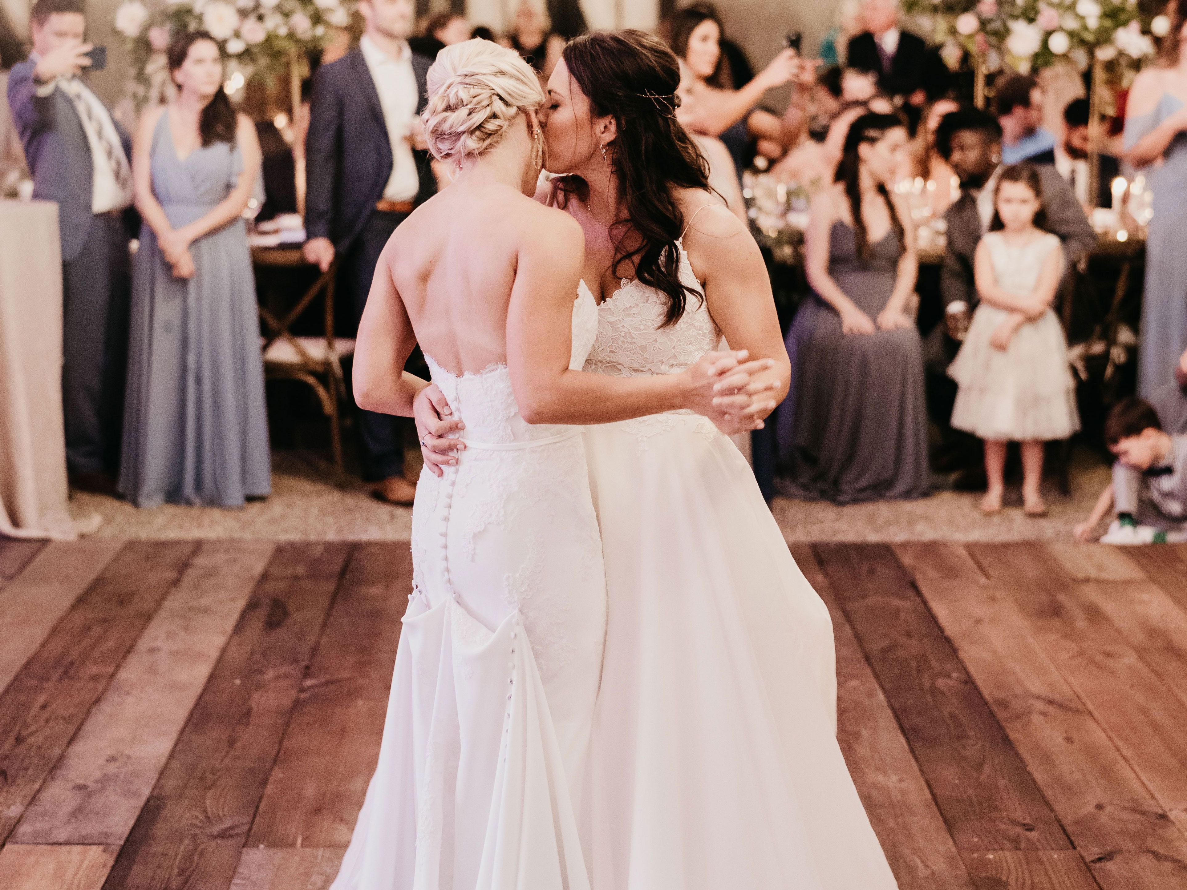 How To Plan Your Wedding Dances According To An Expert