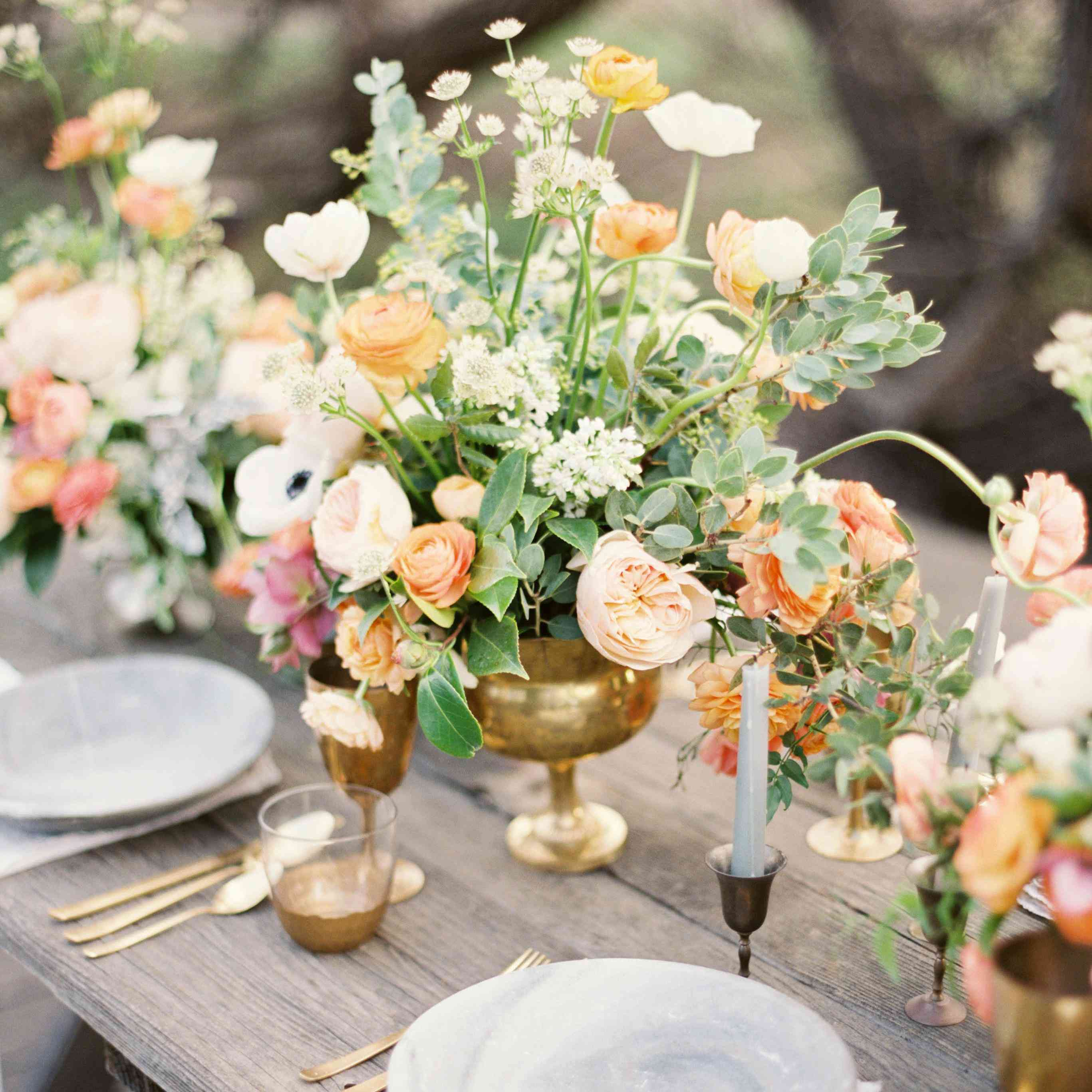 11 Spring Wedding Centerpieces That'll Make You Swoon