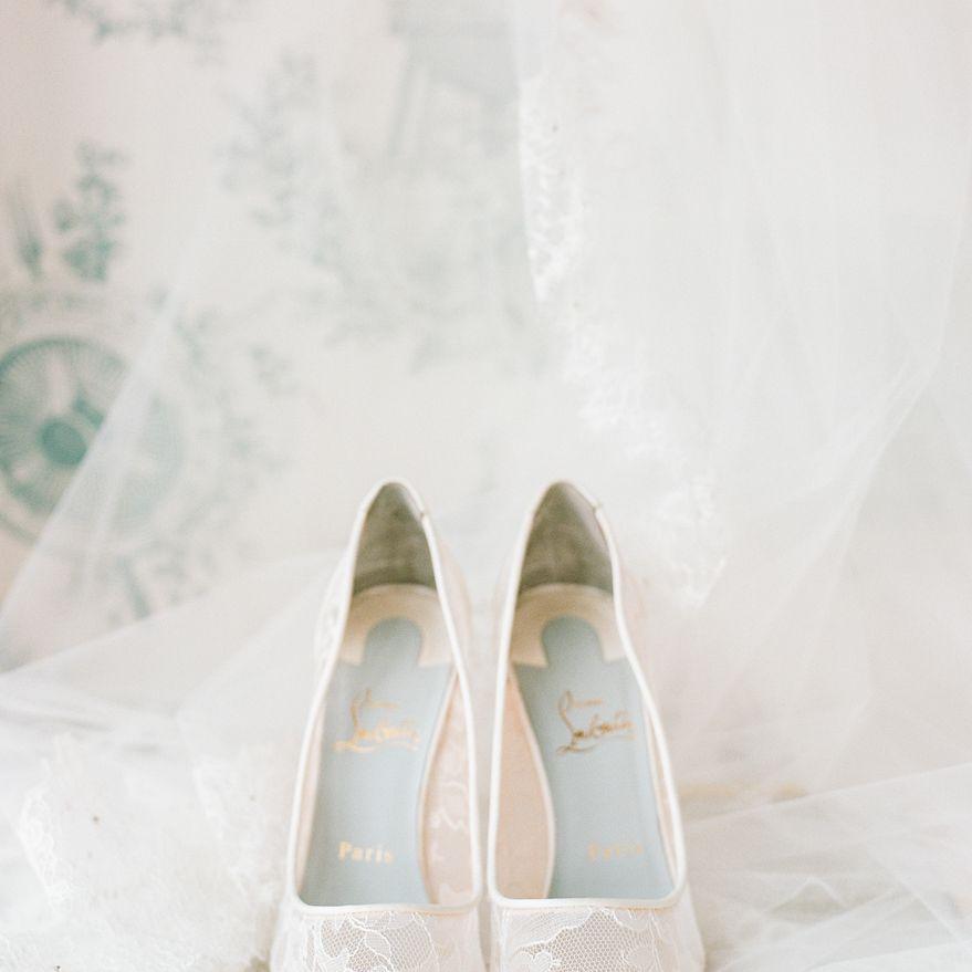 <p>Bride's shoes</p><br><br>
