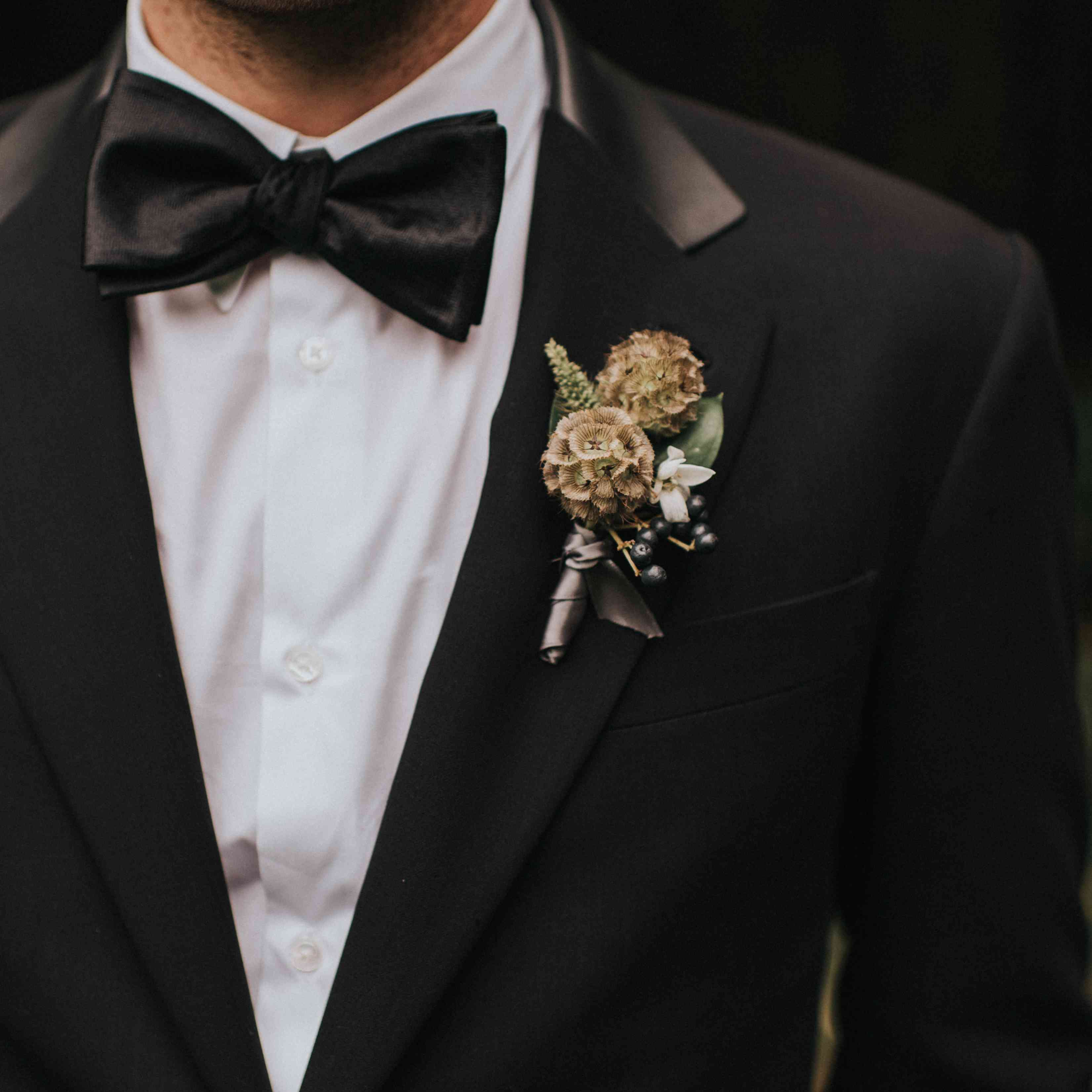 personalized michigan wedding, groom boutonniere