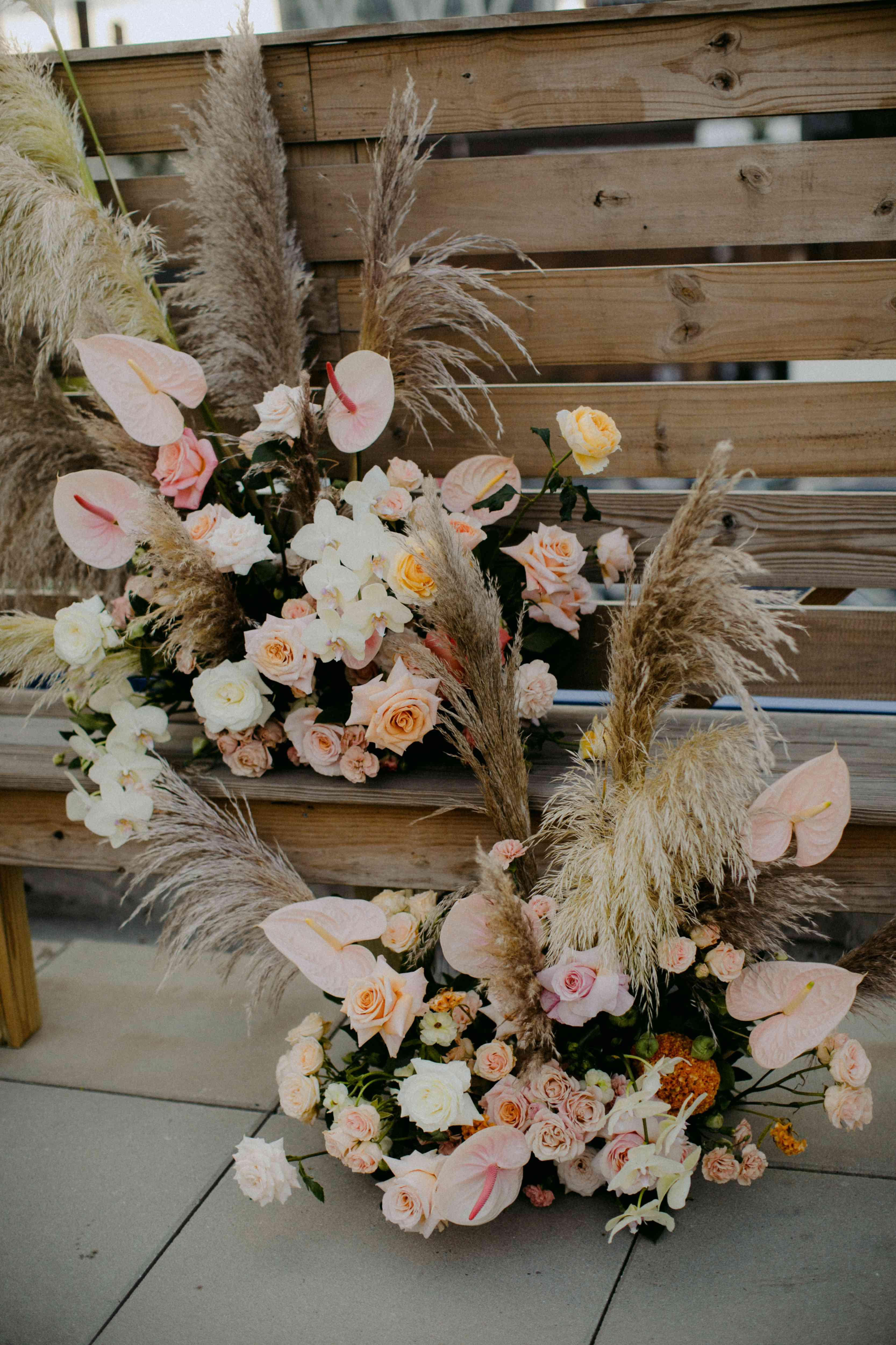 <p>ceremony florals</p><br><br>