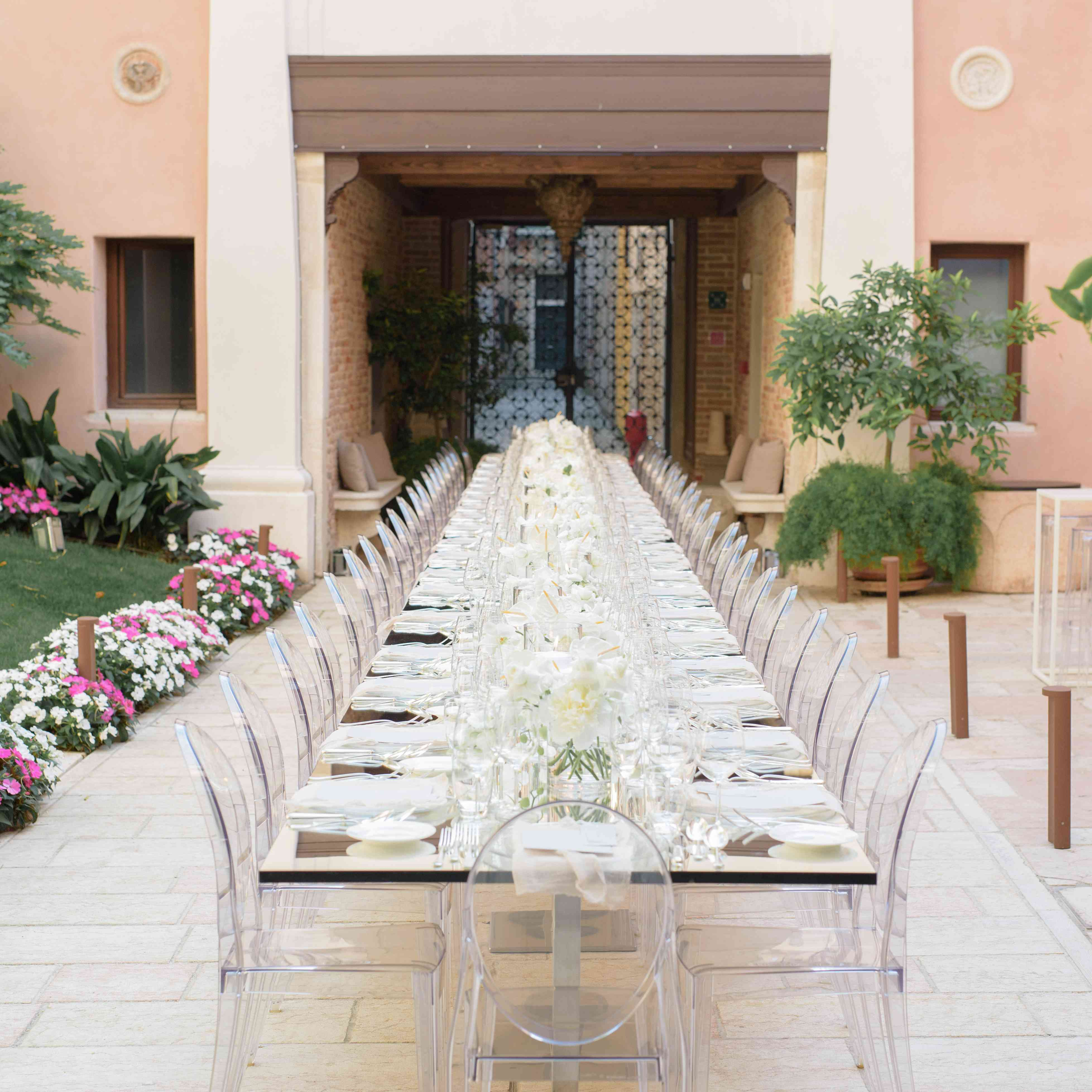 modern venice wedding, rehearsal dinner table