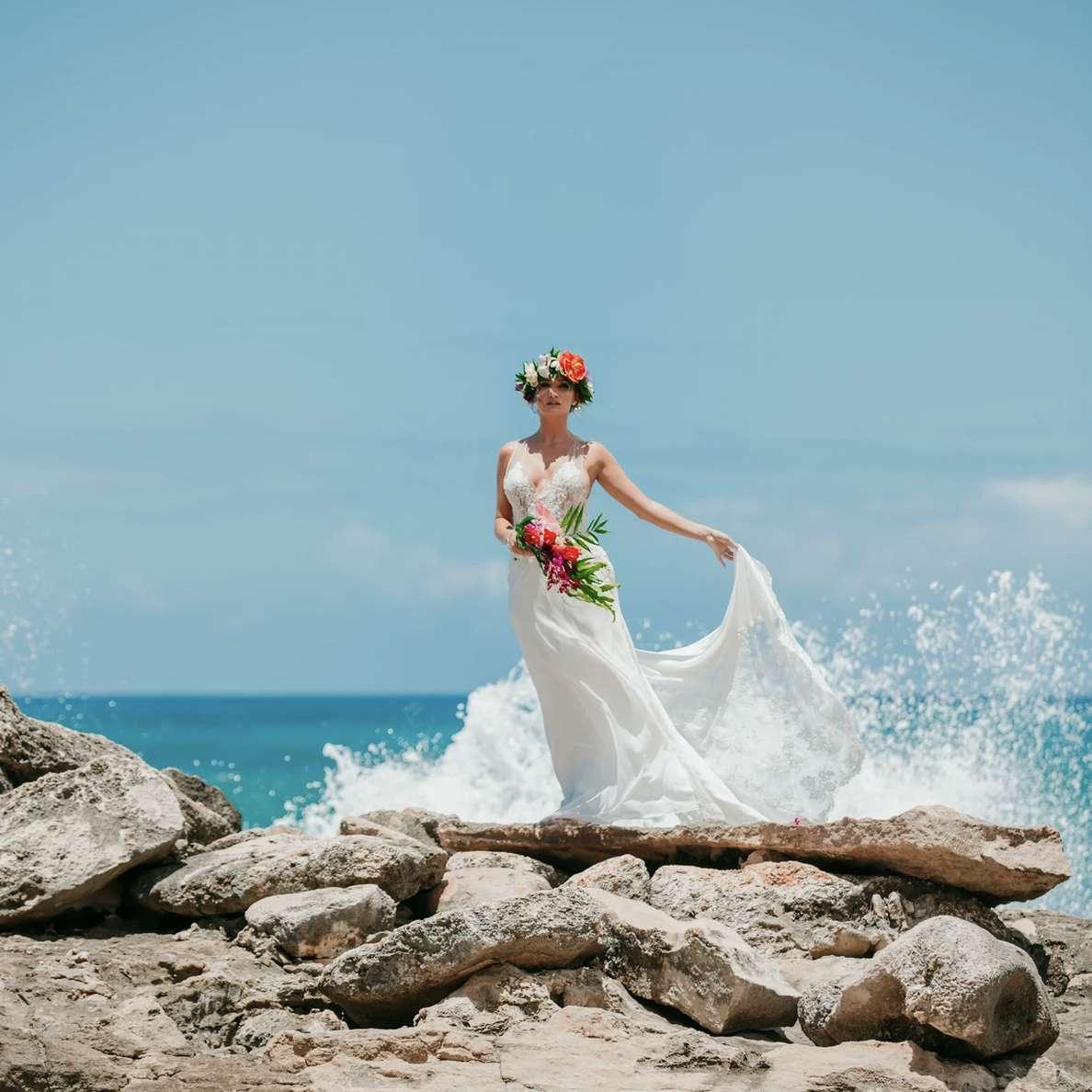 Miyuki Liem wedding dress