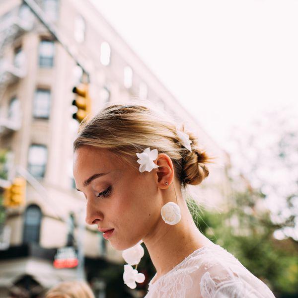17 Gorgeous Wedding Updos For Brides In 2019: Minimalist Wedding Hairstyles For Modern Brides