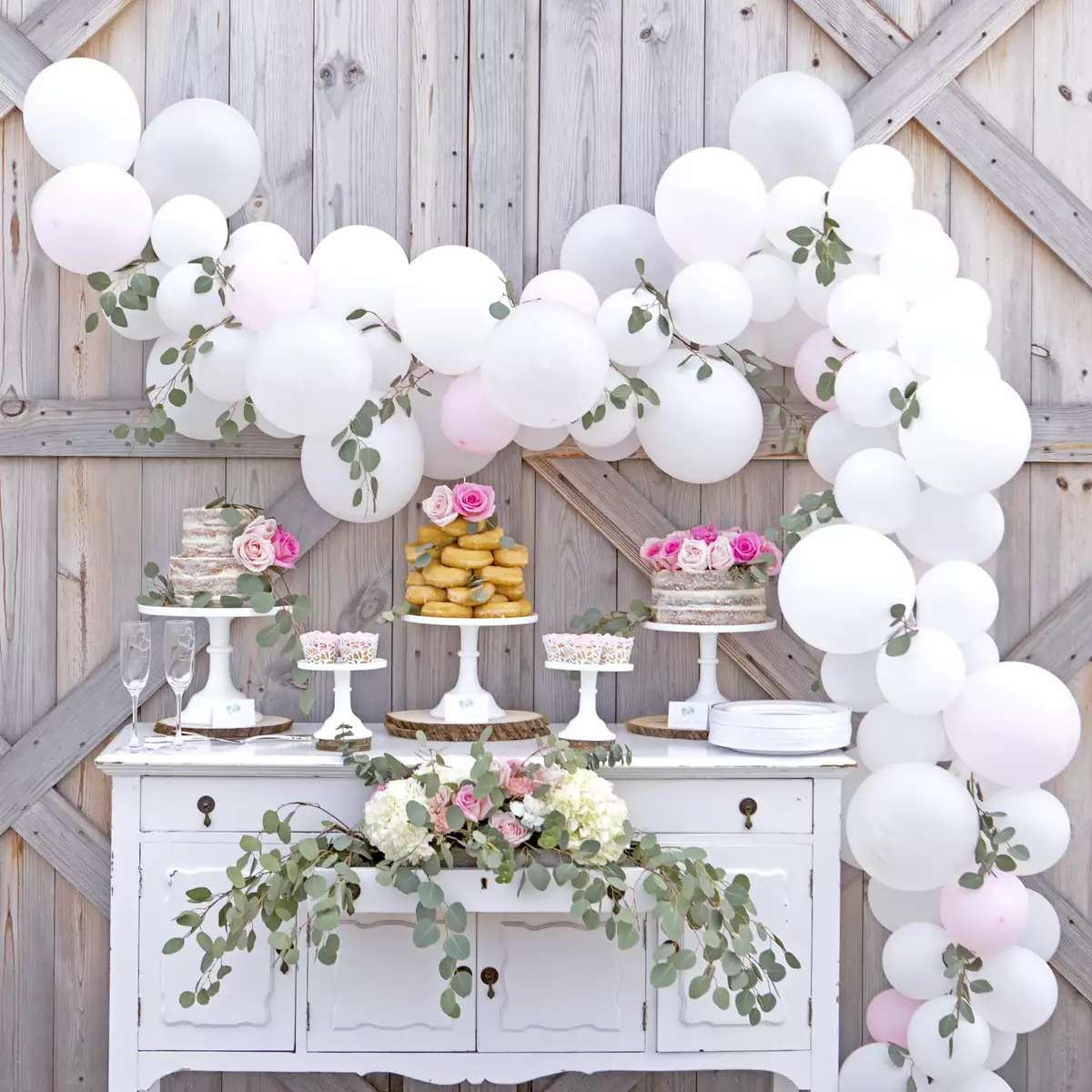 25 Ways To Use Balloons In Your Wedding Decor