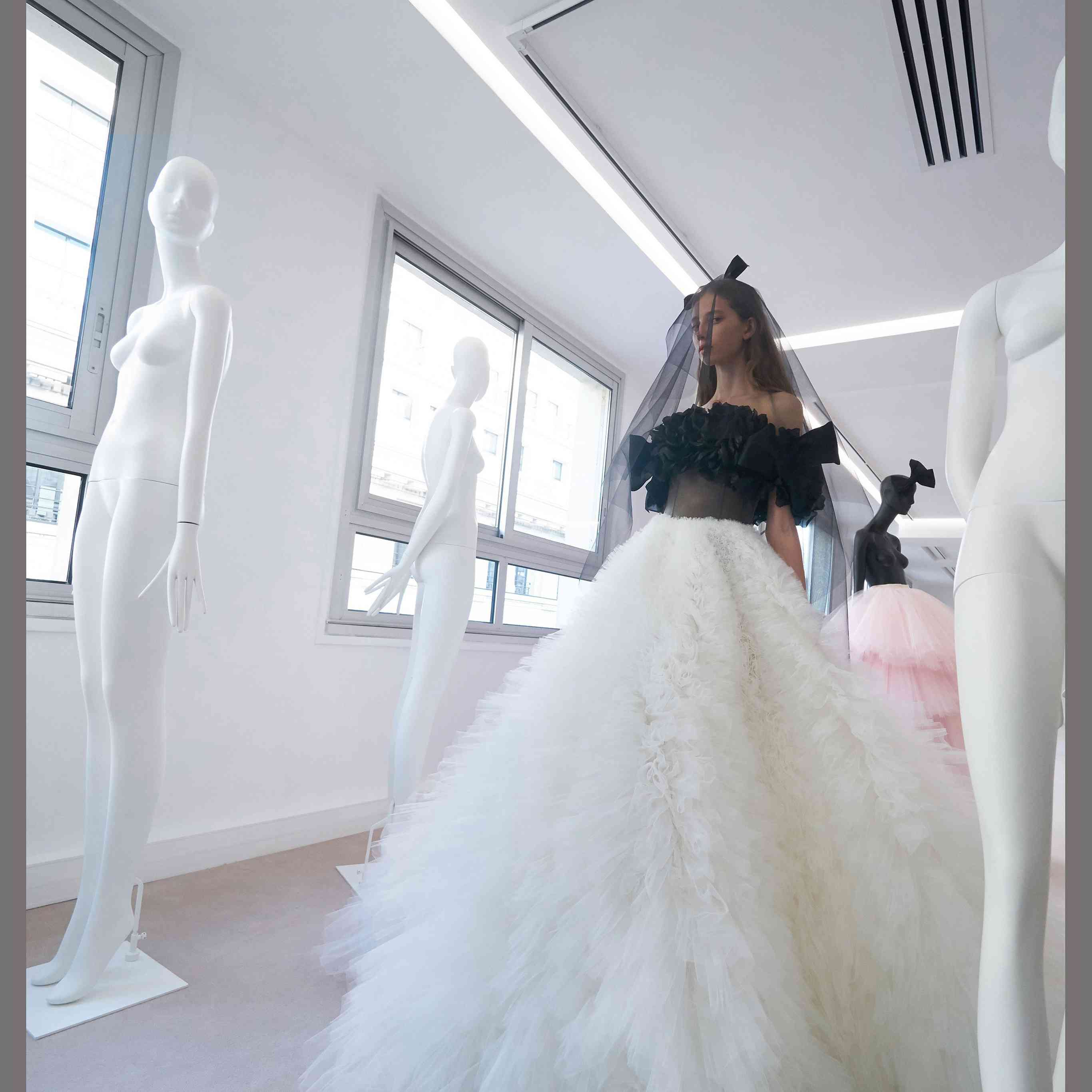 39 Wedding Dresses From Couture Fashion Week Every Bride To Be Needs To See