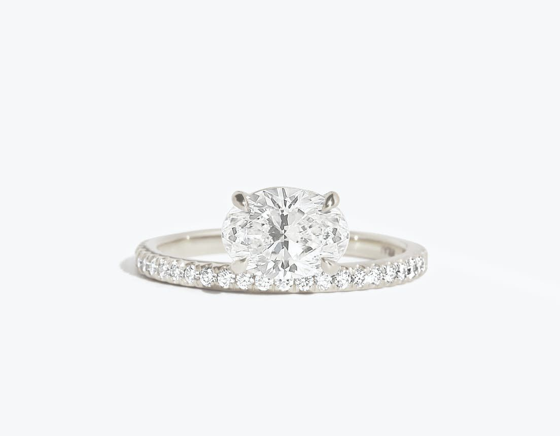 Vrai The Hover Solitaire Ring