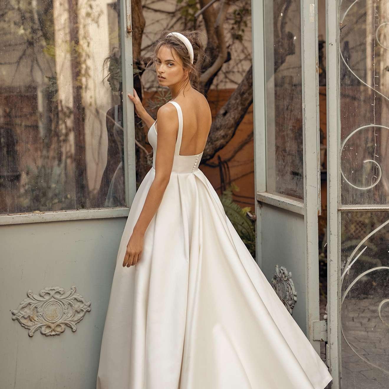 Leigh wedding dress