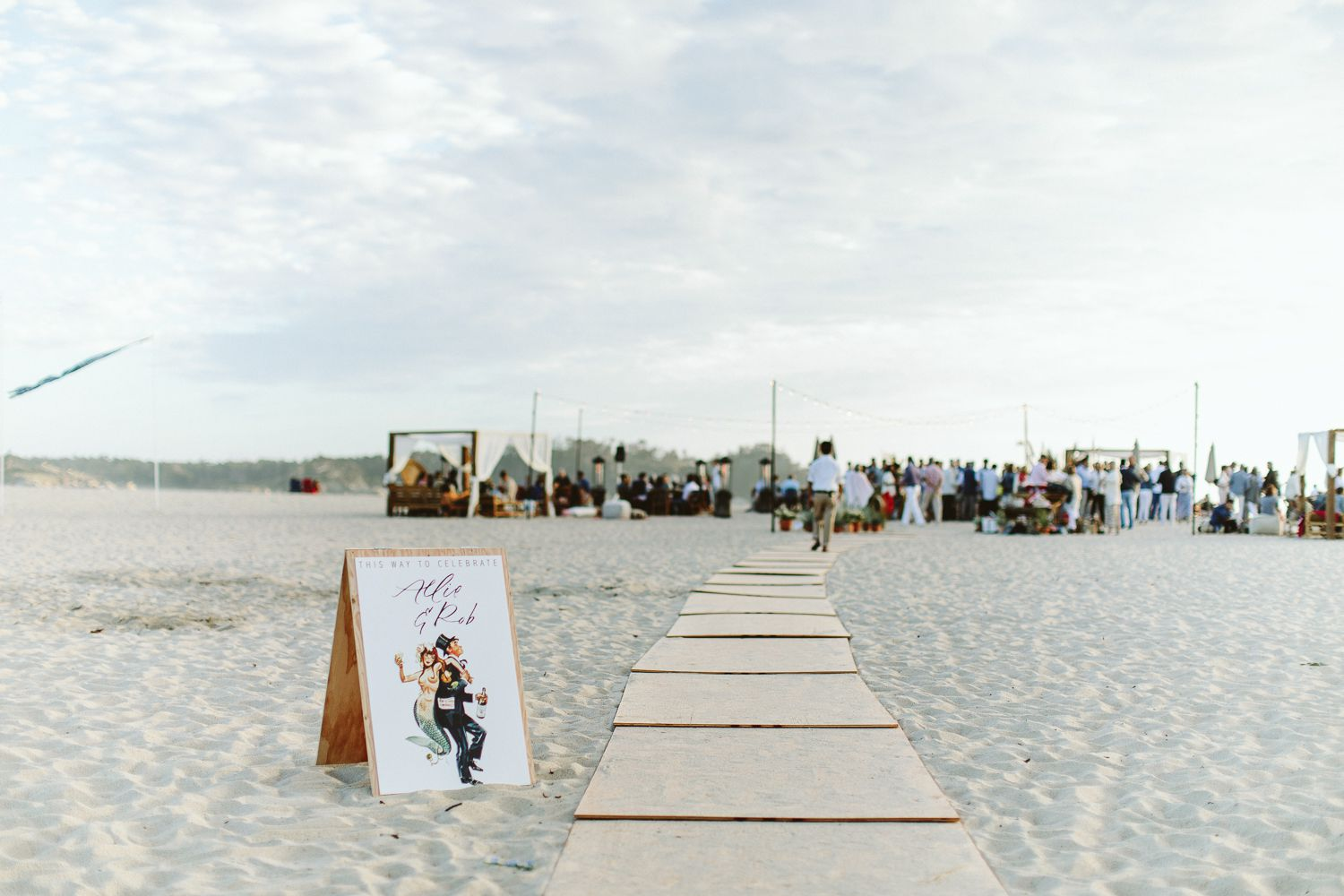 <p>beach wedding welcome party</p><br><br>