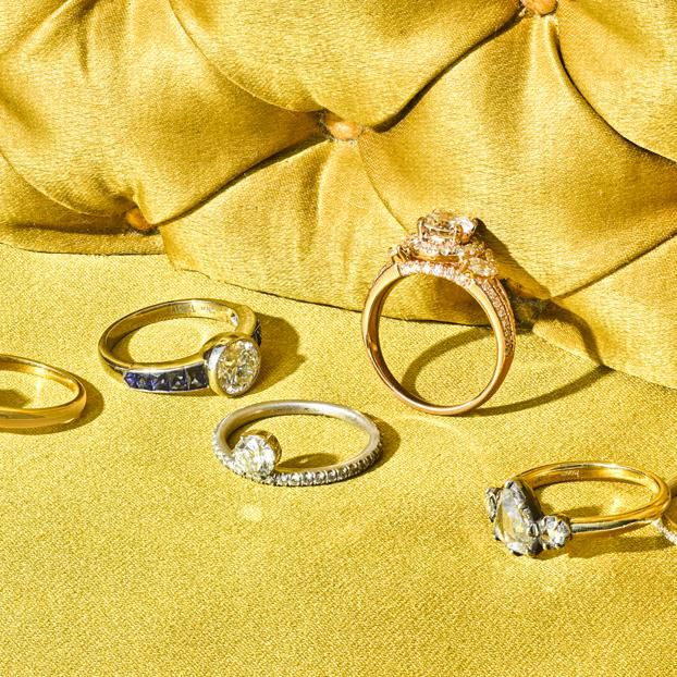 Diamond Ring Shopping 101 How And Where To Buy Engagement Rings