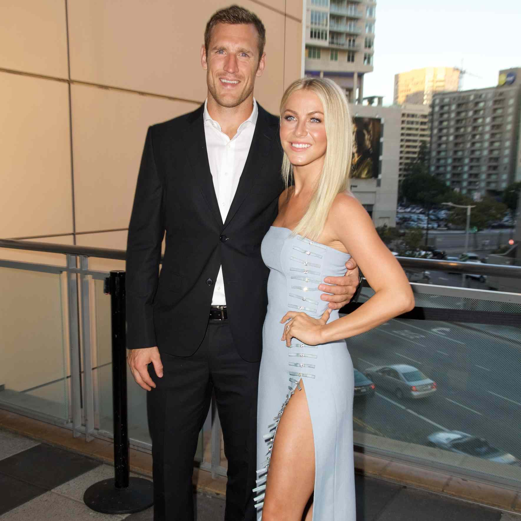 Julianne Hough S Wedding By The Numbers