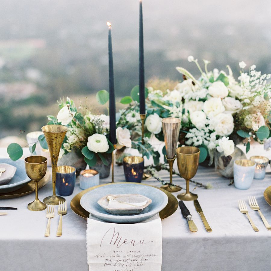 Navy blue and gold tablescape