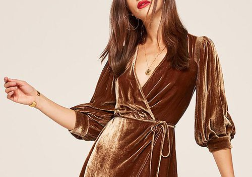 27 Chic Winter Engagement Party Dresses Worthy of your first Pre-Wedding Event