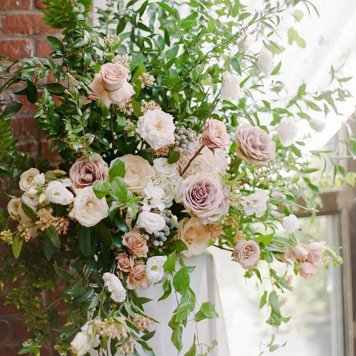 Story Tips For Creating Wedding Website: 5 Mistakes Brides Make When Choosing Wedding Flowers