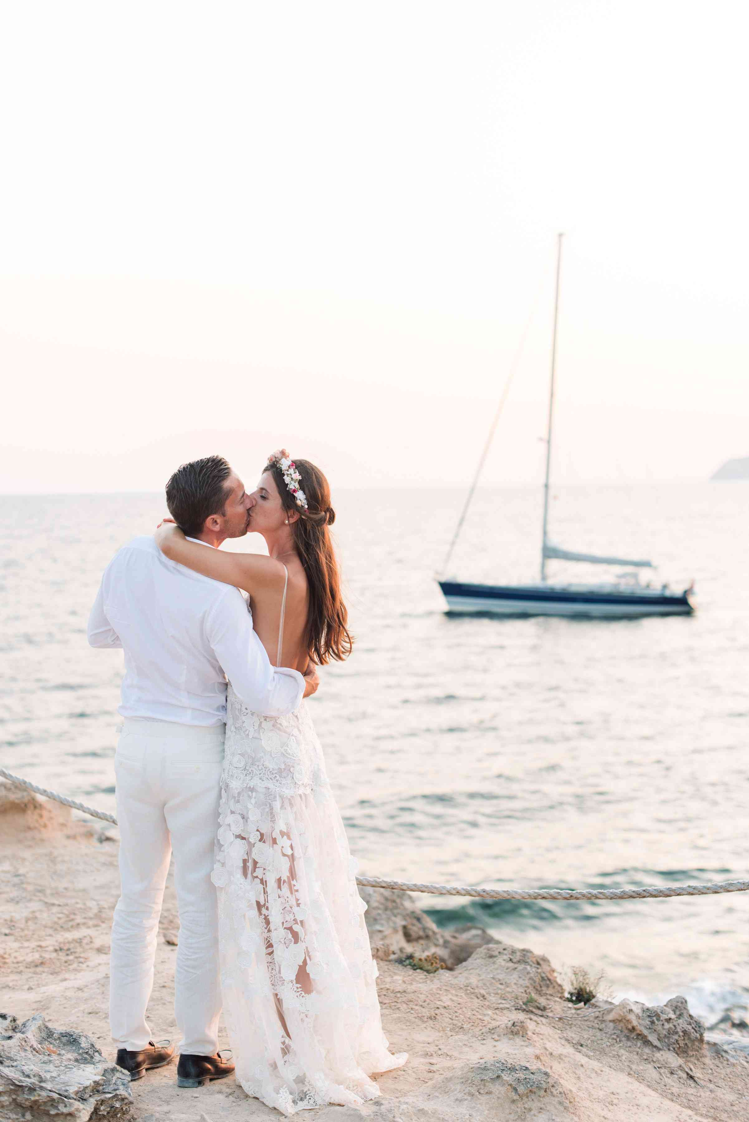 a6f711d277c3b 25 Shoes Perfect for Your Beach Wedding