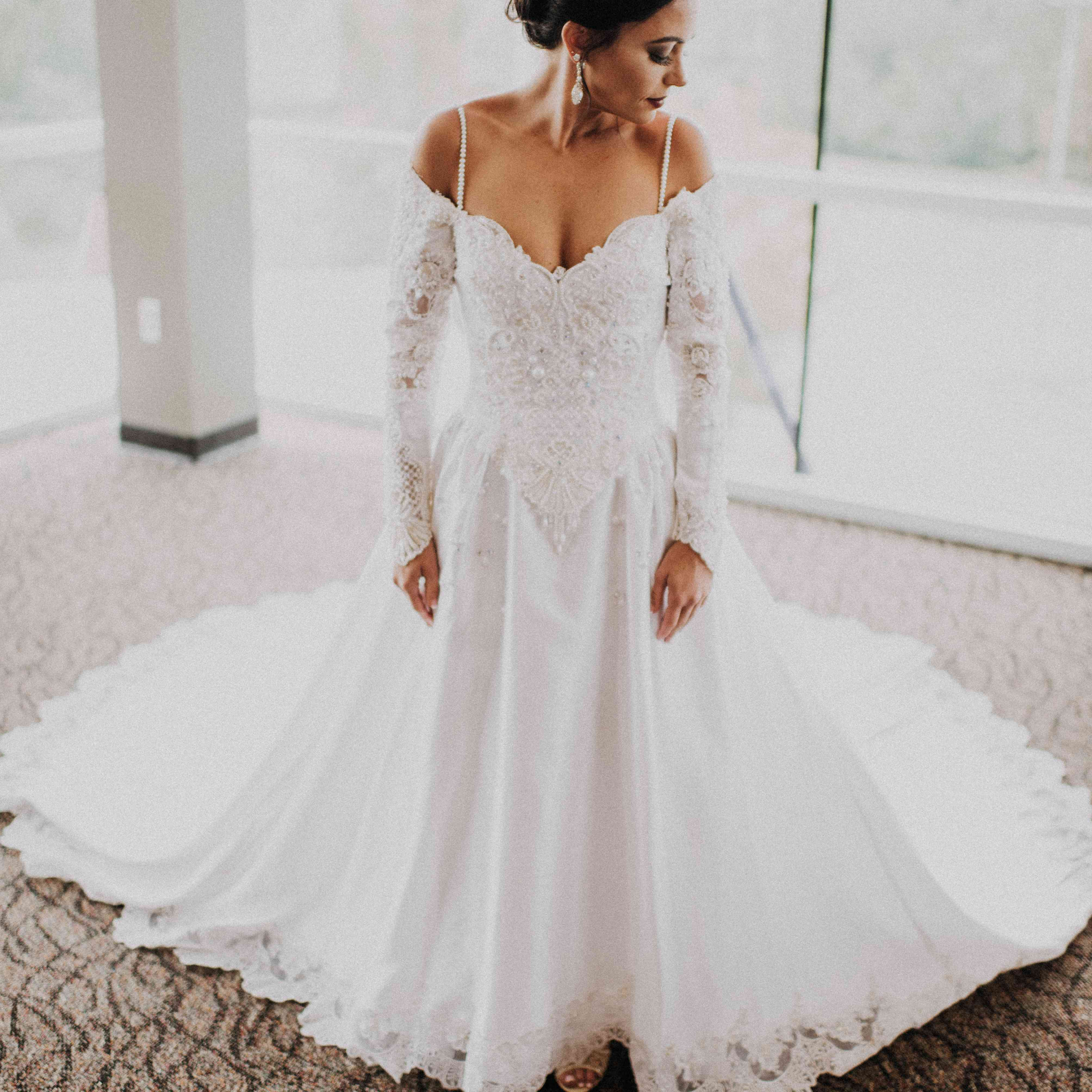 Real Brides Ireland: These 27 Stylish Real Brides Wore Long Sleeves