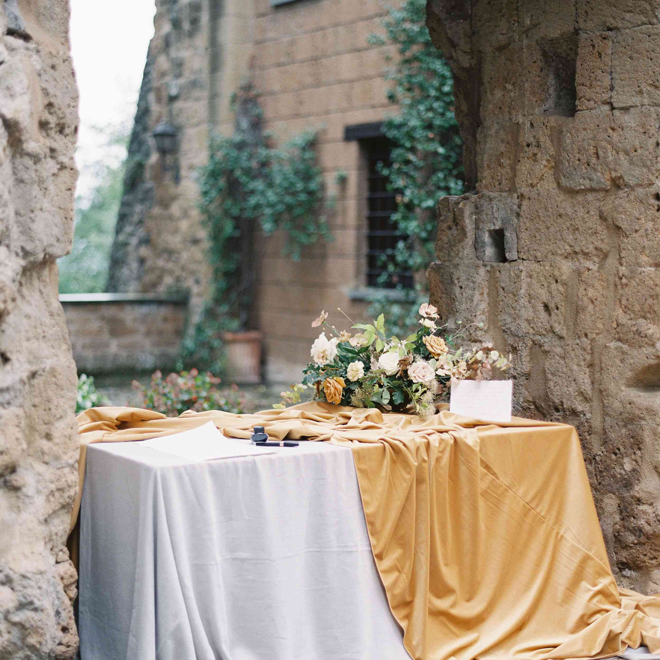 Reception table with caramel table cloth