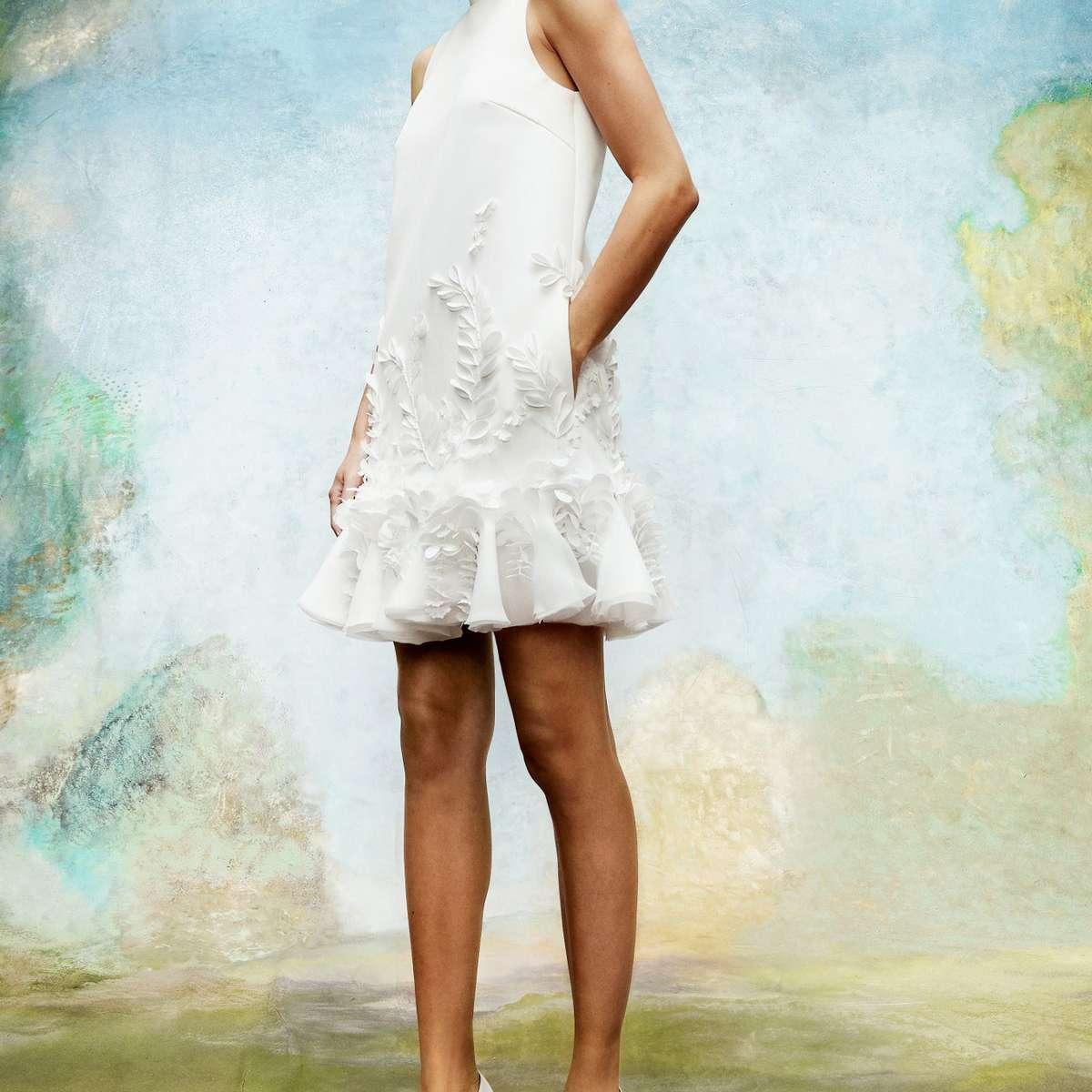 Sleeveless mini wedding dress