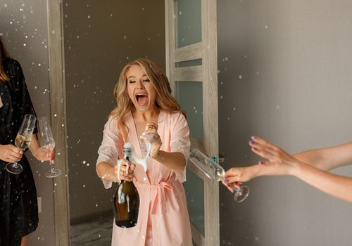 Bridal shower champagne