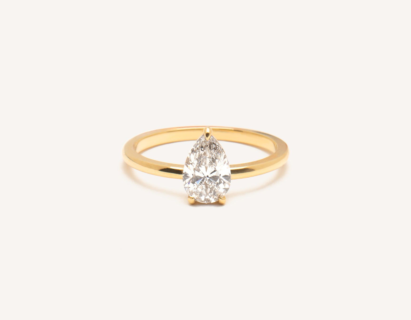 552967158a38b 34 Pear-Shaped Engagement Rings for Every Bride