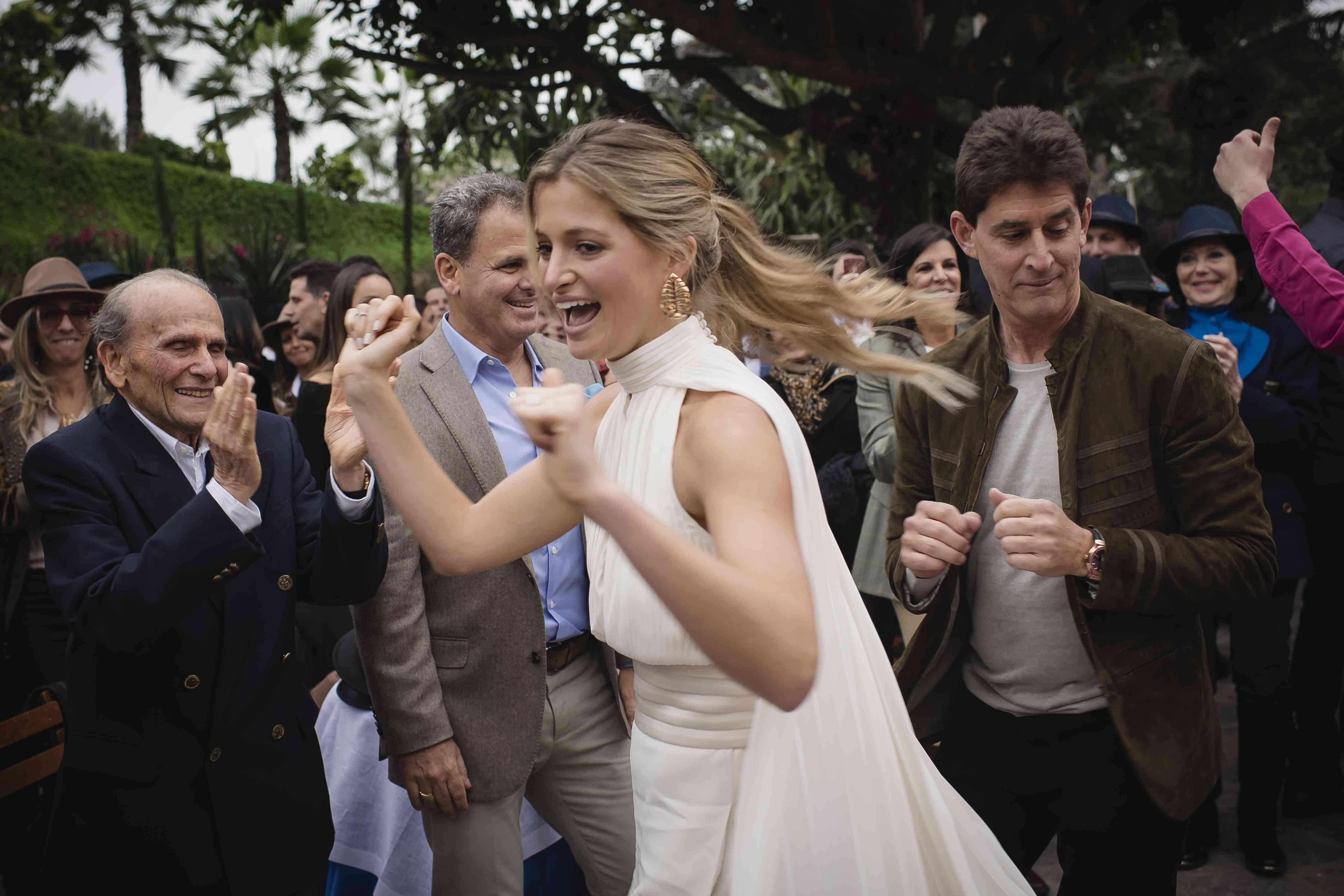 <p>Bride dancing</p><br><br>