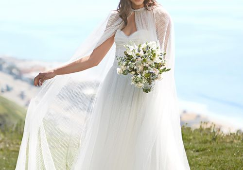 Monique Lhuillier Has Just Launched A Wedding Flower Collection