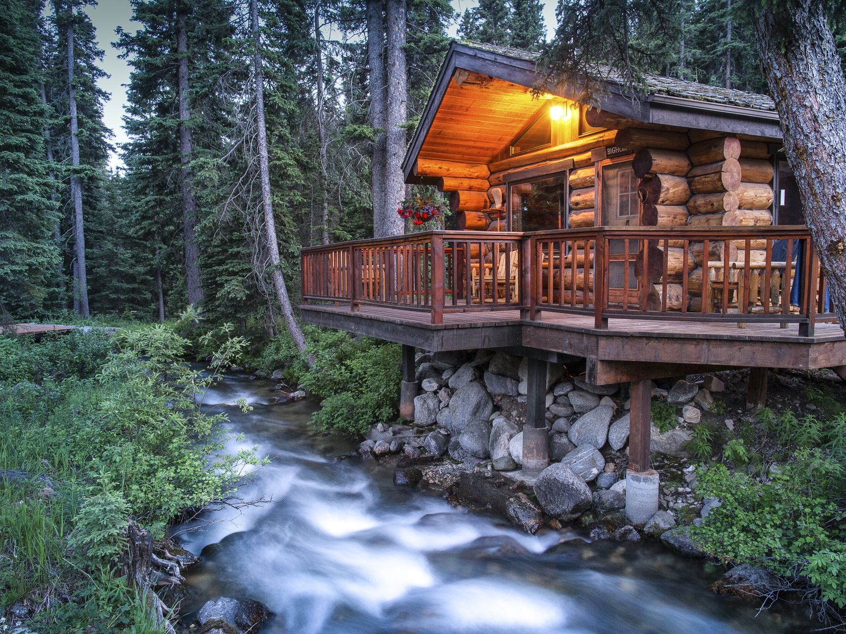 7 Romantic Ranches for the Perfect Western Honeymoon
