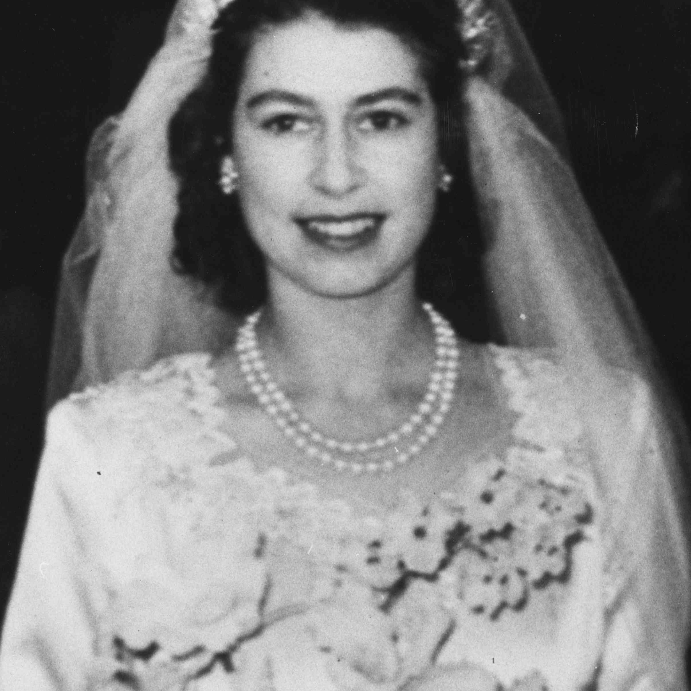 Princess Elizabeth leaving Westminster Abbey after her wedding to Prince Philip, Duke of Edinburgh