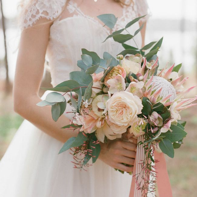 Protea Wedding Flowers: King Protea Bridal Bouquets That Are Crazy Striking