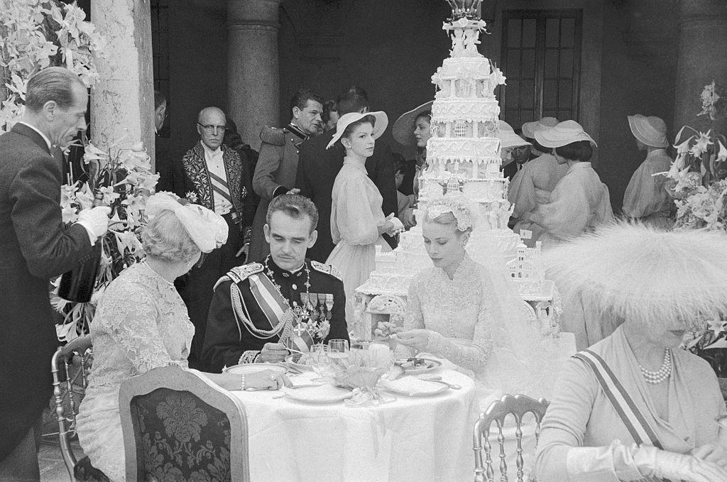 Grace Kelly wedding cake