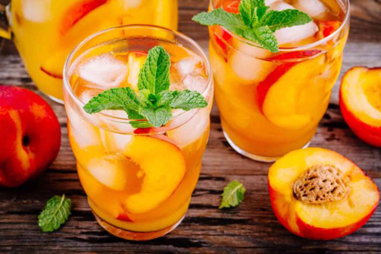 alcohol, signature cocktail, drink, glass, bar, menu, reception, peaches, mint