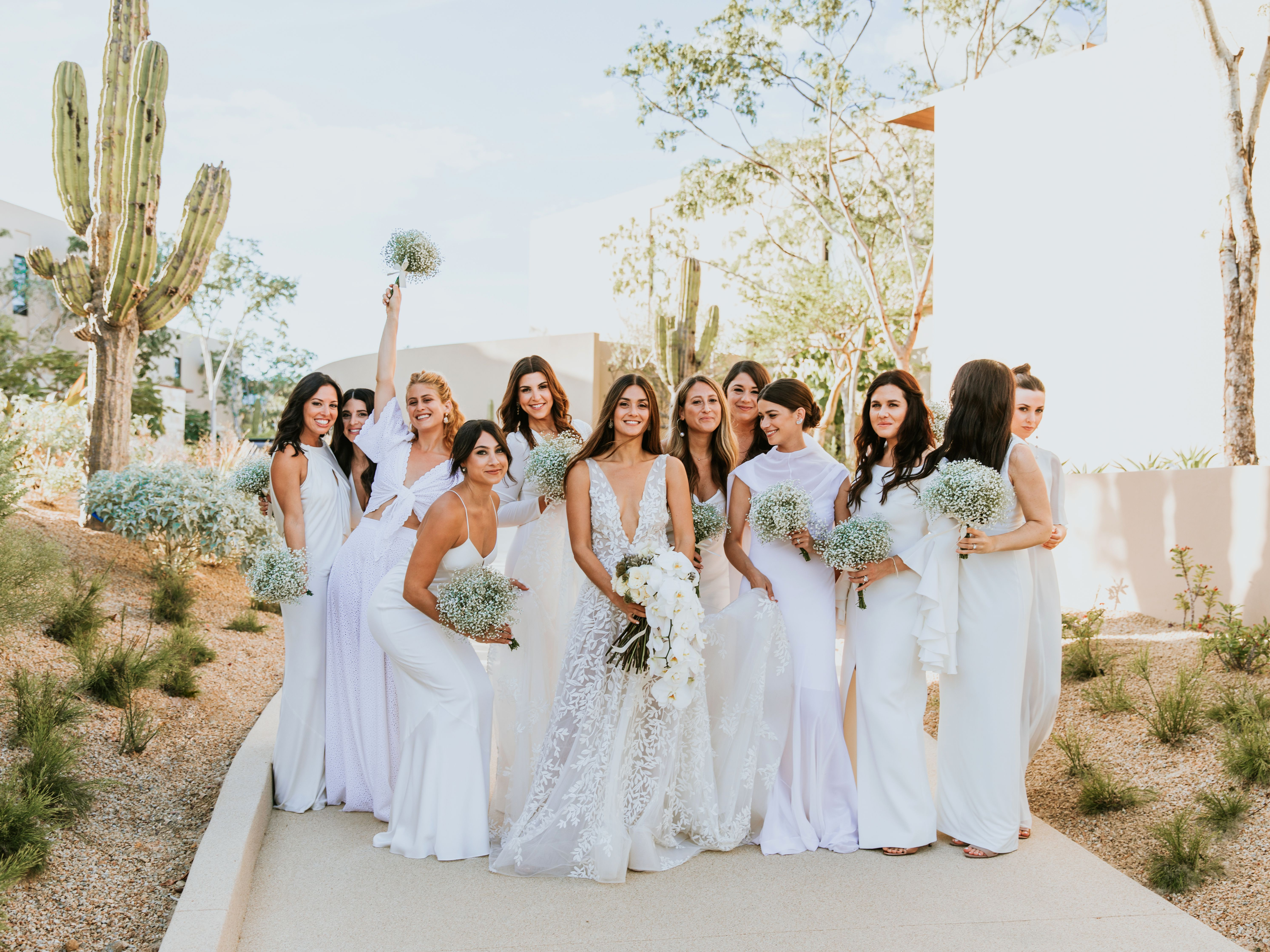 9c655138f4081 How to Make Your Bridesmaids Feel More Comfortable On Your Big Day