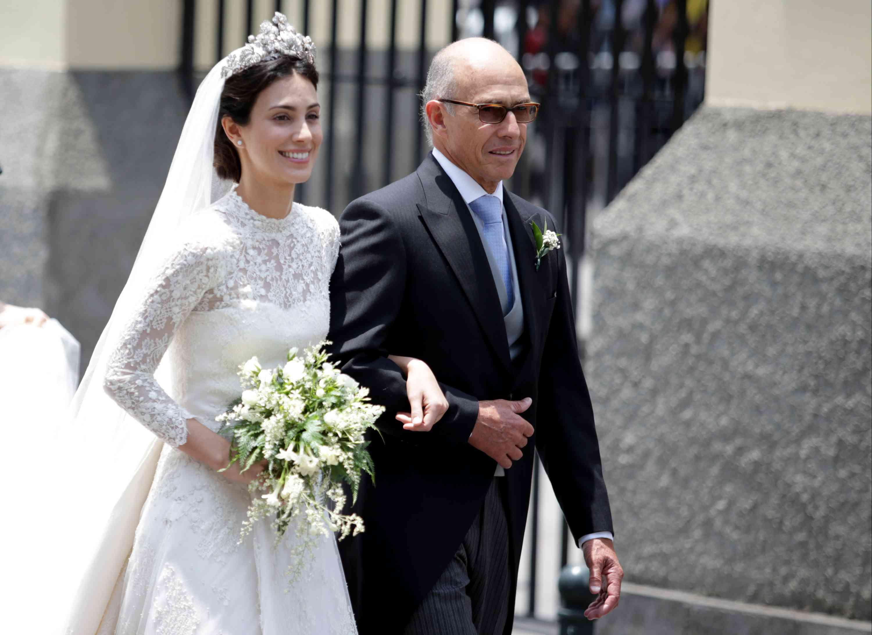 Alessandra de Osma with father Felipe de Osma on her wedding day