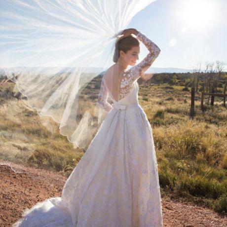 Girls star Allison Williams marries Ricky Van Veen in Oscar de la Renta, 2015