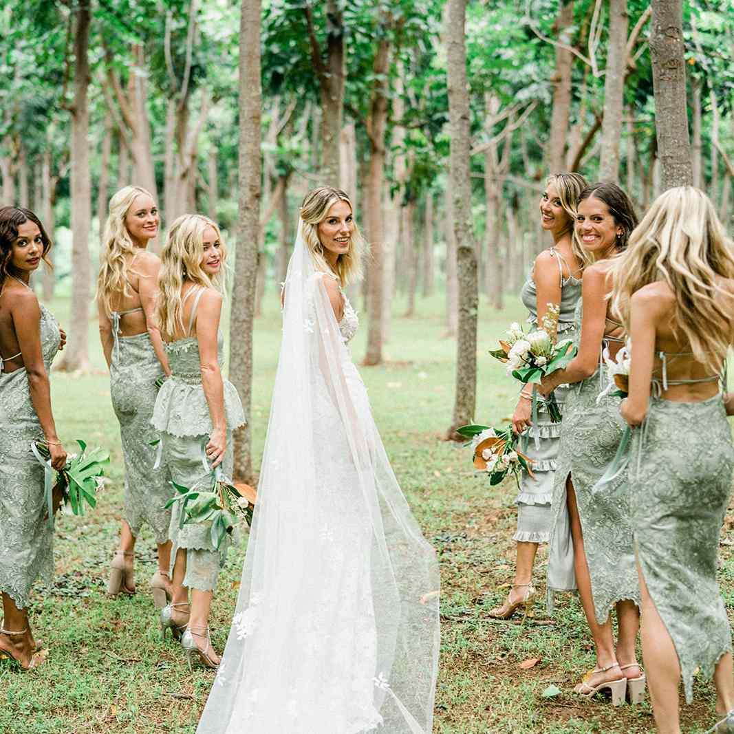 bride and bridal party