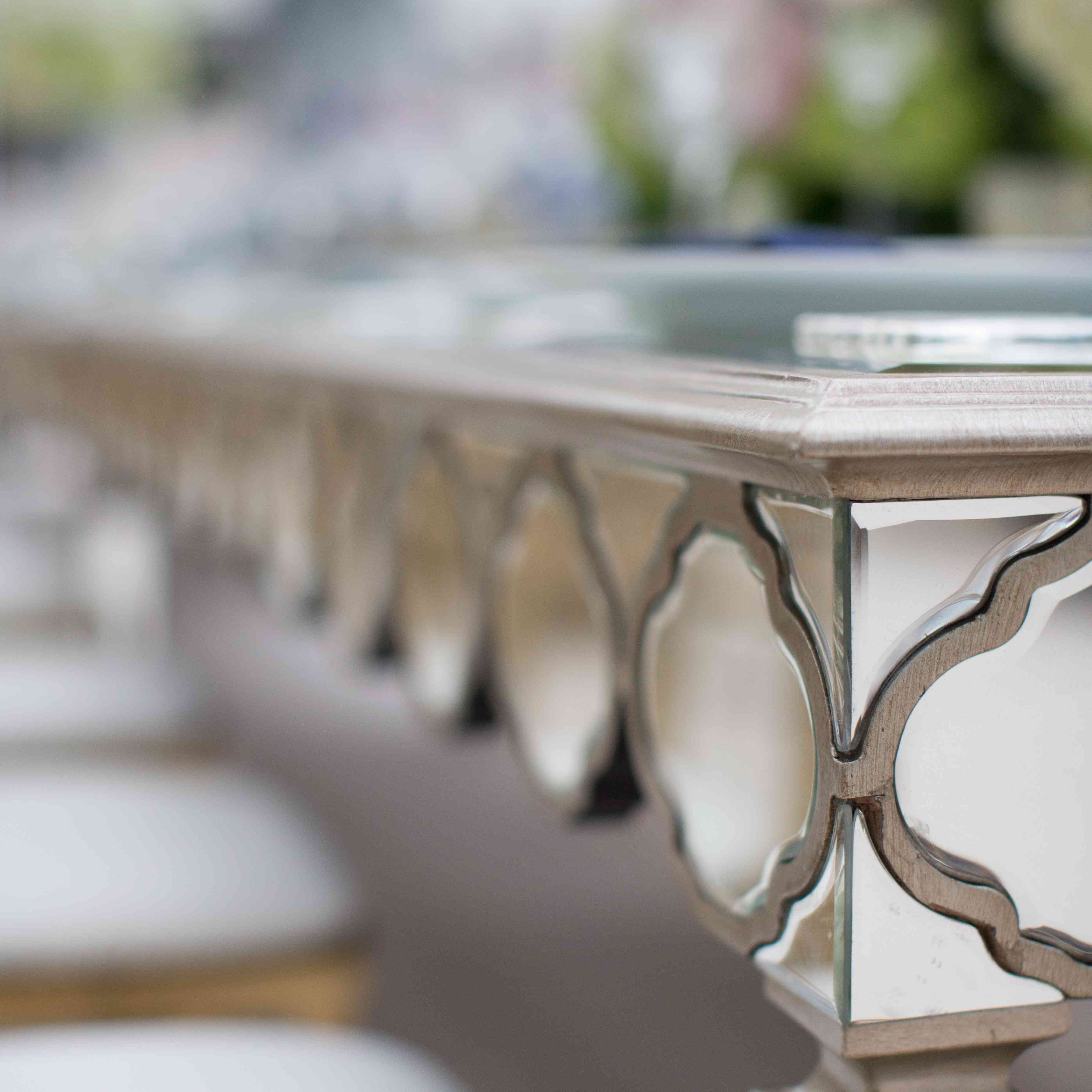 <p>Mirrored Reception Table</p><br><br>