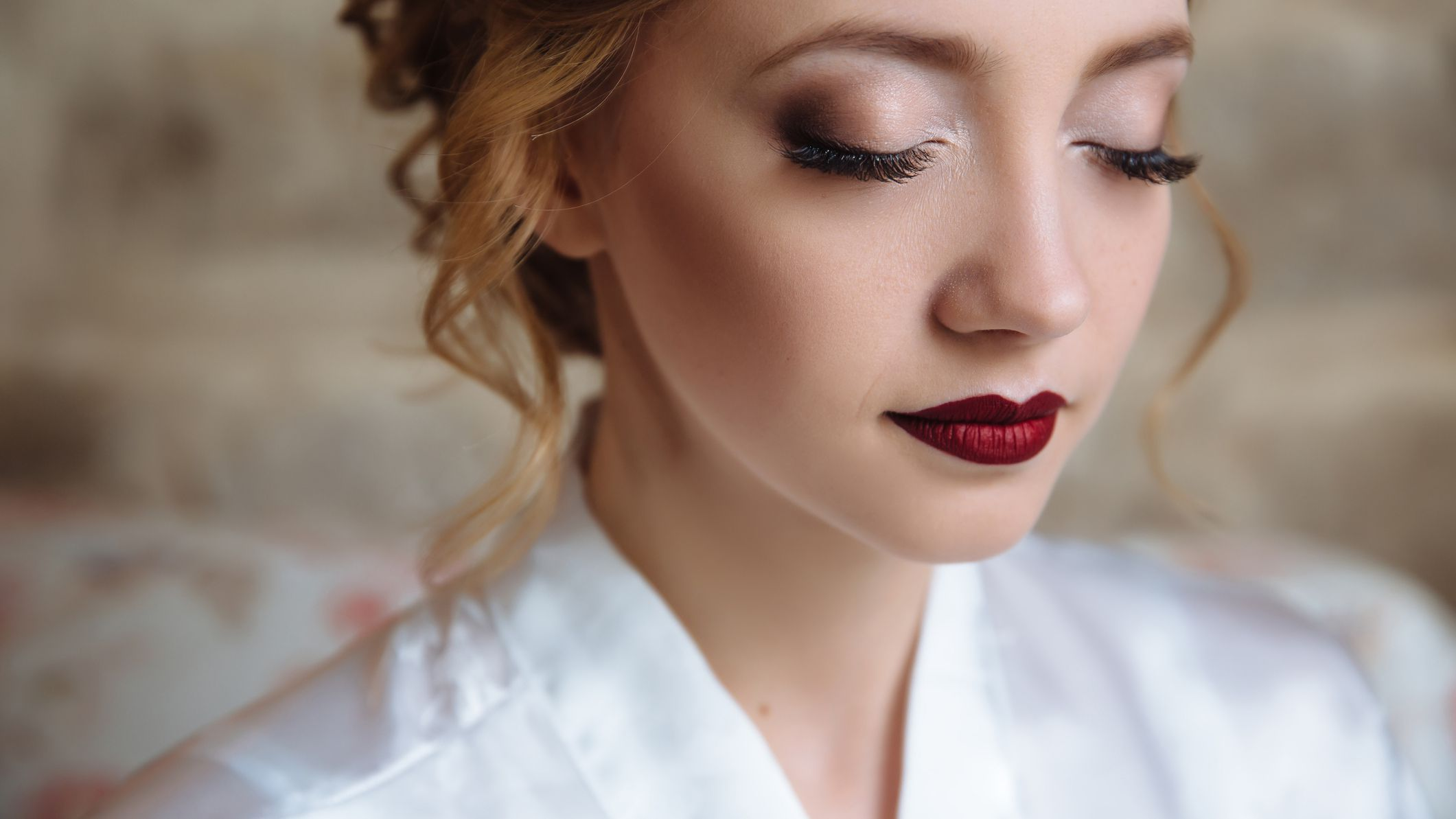 Flawless Wedding Photos: 8 Fool-Proof Makeup Tips for Looking Your