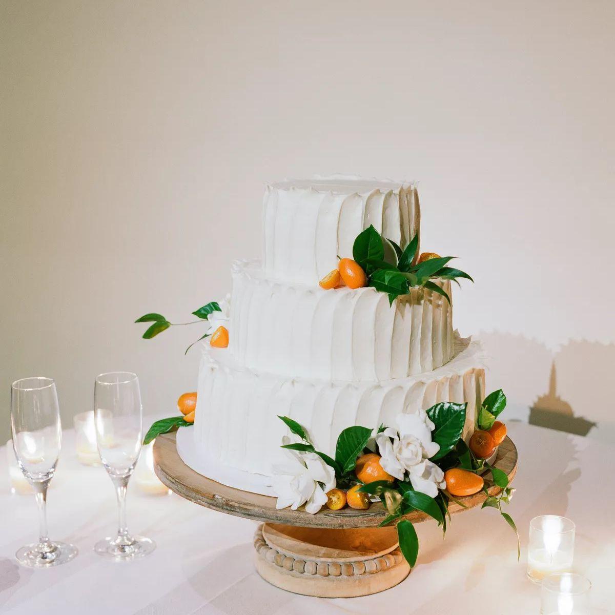 wedding cake with tangerines