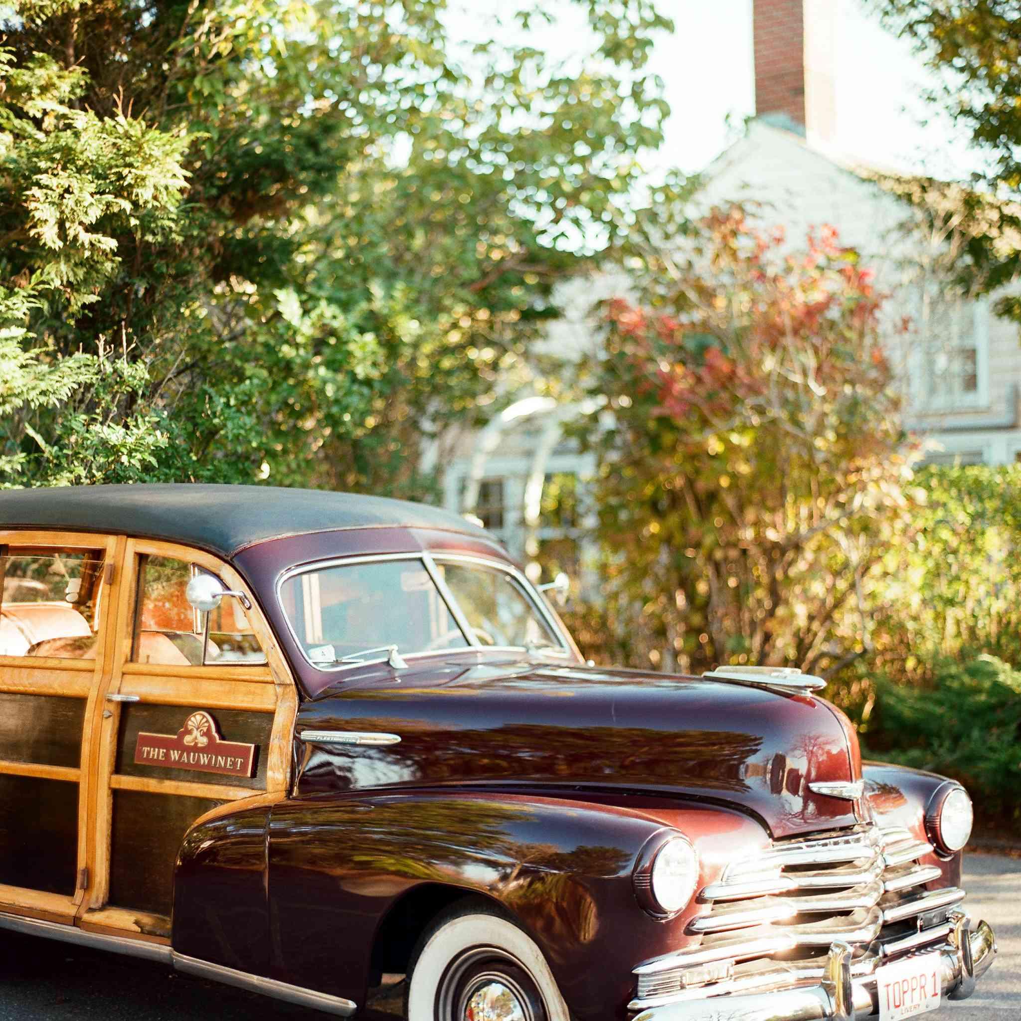 <p>wedding transportation classic car</p><br><br>